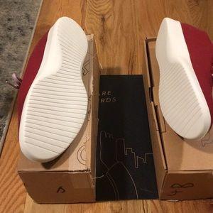 all birds Shoes - Brand new maroon men's all birds!
